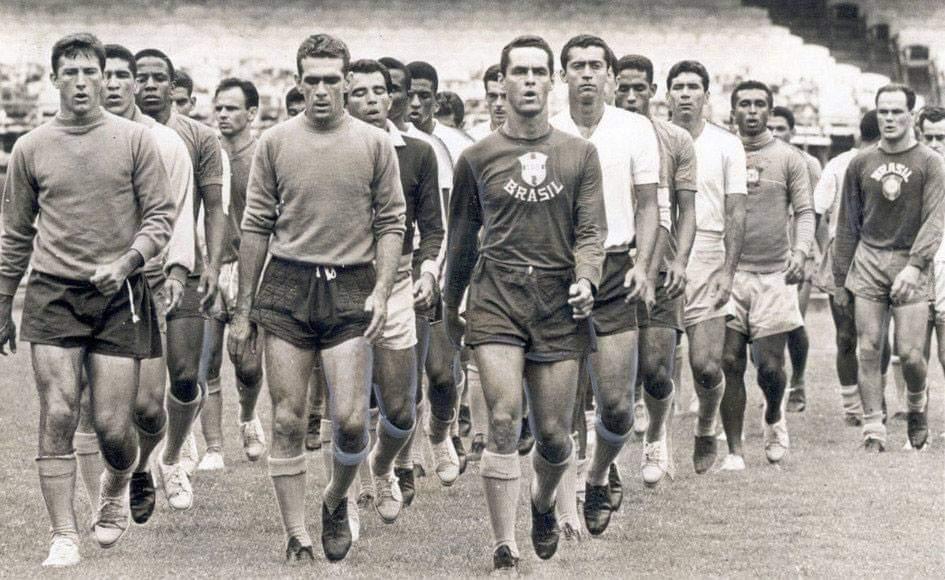 Seleção brasileira de 1962 fez os preparativos para a Copa do Mundo na cidade paulista de Campos do Jordão com 41 jogadores