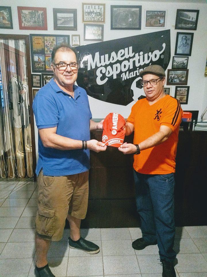 Uma lembrança do avô Oldevar, torcedor do América-RJ, doada ao Museu Esportivo de Maringá