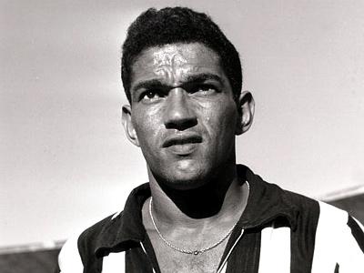 José Rezende conta a maravilhosa história de Garrincha, as verdades e os mitos em torno da figura do Anjo de Pernas Tortas (28.10.1933 - 20.01.983)