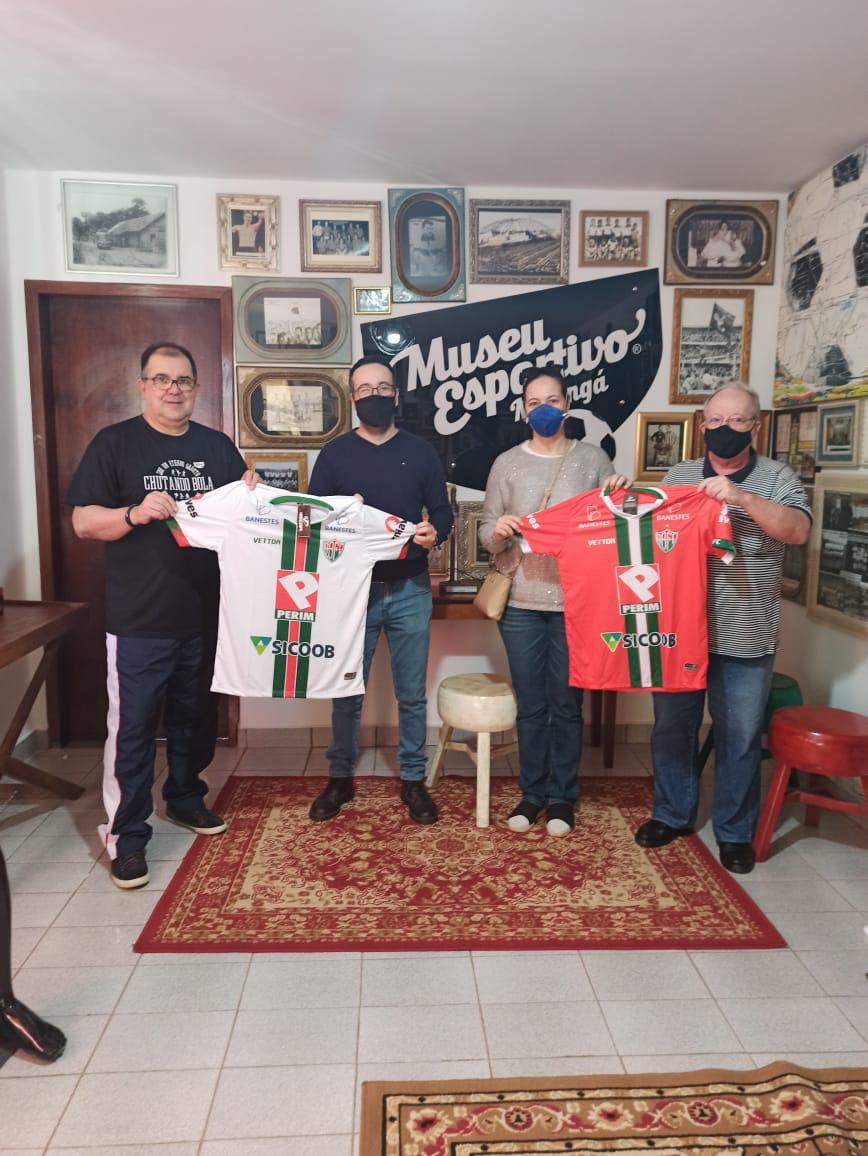 Museu Esportivo de Maringá recebe duas camisas do Rio Branco de Venda Nova, do Espírito Santo, campeão capixaba de 2020 e na final de 2021