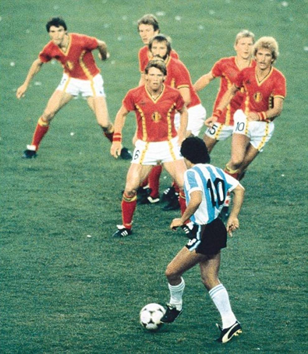 Diego Armando Maradona  - 30 de outubro de 1960 - 25 de novembro de 2020